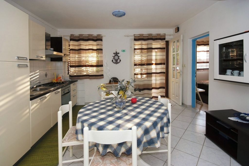 silva apartment1 kitchen 01 1024x683