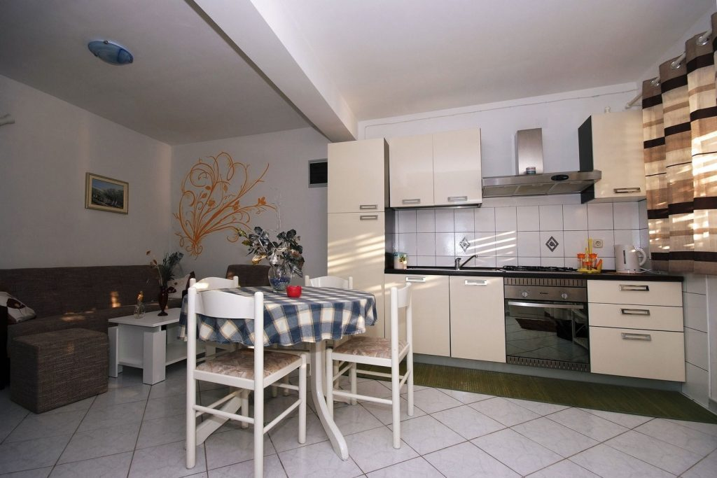 silva apartment1 livingroom 02 1024x683