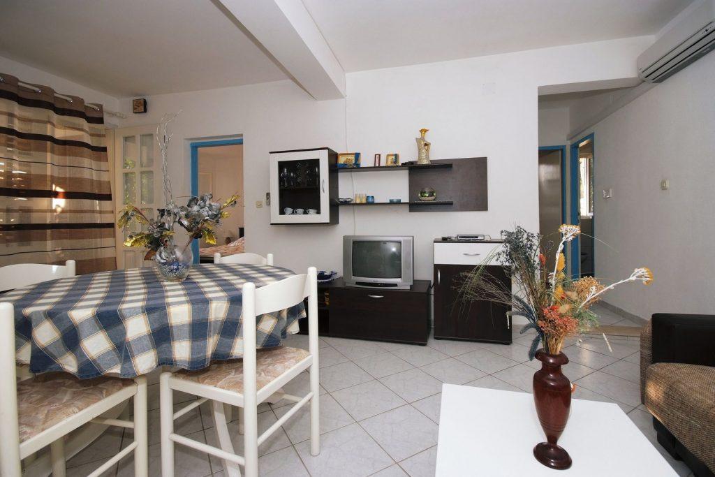 silva apartment1 livingroom 03 1024x683