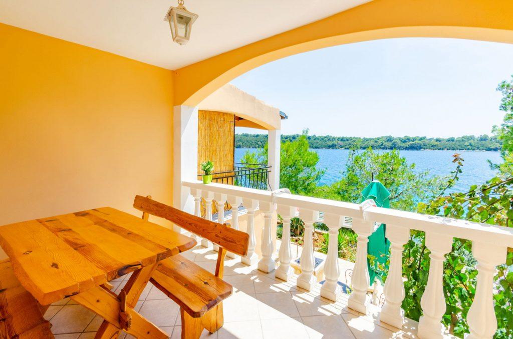 silva apartment1 terrace 06 2018 pic 01 1024x678