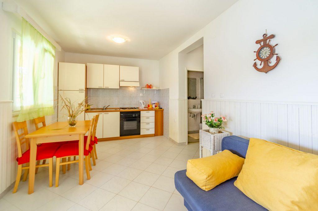 silva apartment2 livingroom 06 2018 pic 02 1 1024x678