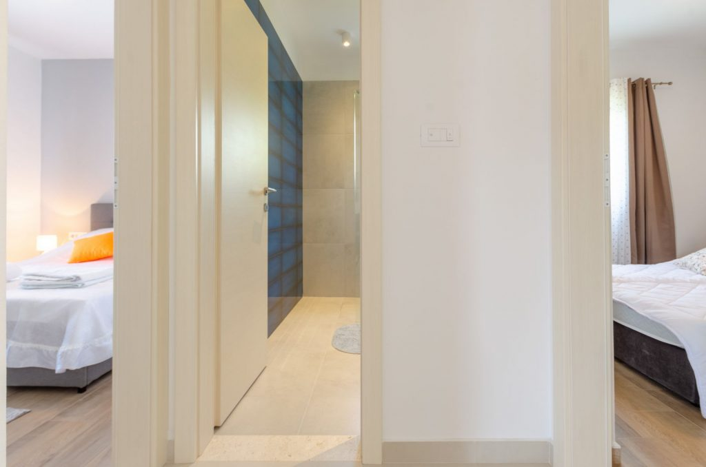 silva apartment3 entrance hallway 01 1024x678
